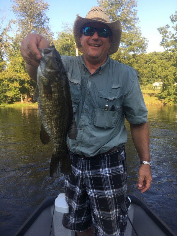 smallmouth bass fishing guides in East Tennessee